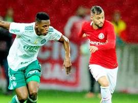 Nico Lopez Yerry Mina Internacional Palmeiras CdB 31052017
