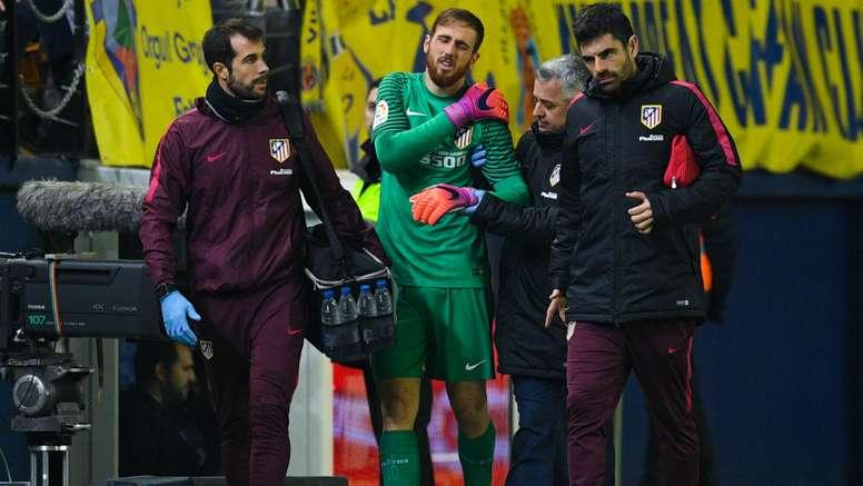 Oblak injured his shoulder in the loss against Villarreal. Goal