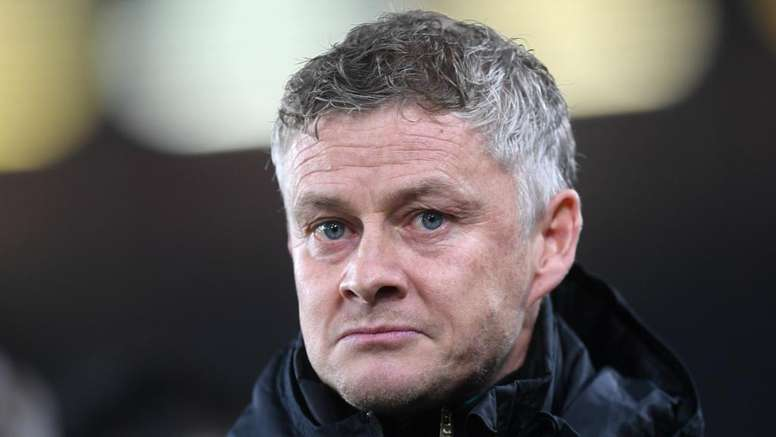 Valencia backs under-fire Solskjaer. GOAL