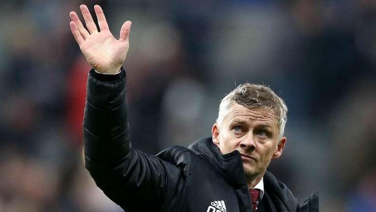 Bruce backs Solskjaer to turn things around at Manchester United. GOAL
