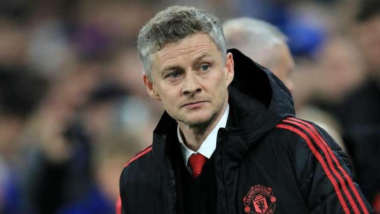 Solskjaer warns Man United against superstar signings