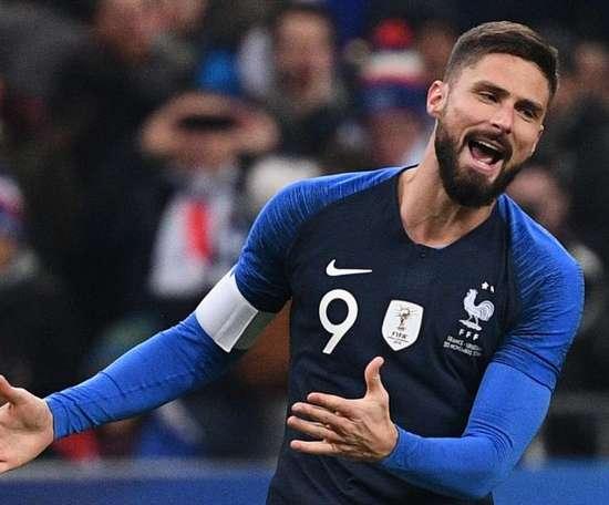 Giroud juge la situation de son compatriote. Goal