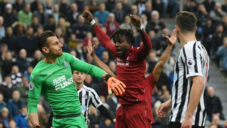 Liverpool reste en vie. Goal