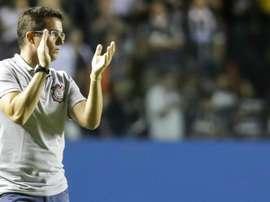 """Rodriguinho dedica vitória do Corinthians a Osmar Loss: """"merece estar aqui"""""""