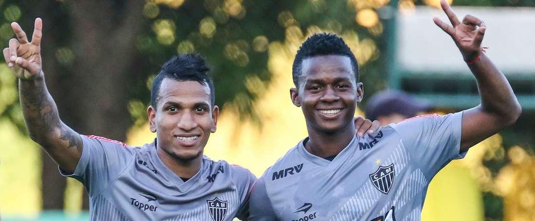 Otero e Cazares renovam com o Galo.Goal