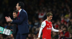 Emery frustrated by Ozil questions after Arsenal edge out Vitoria SC.