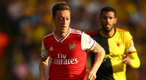 Ozil shows flashes but must do more. GOAL