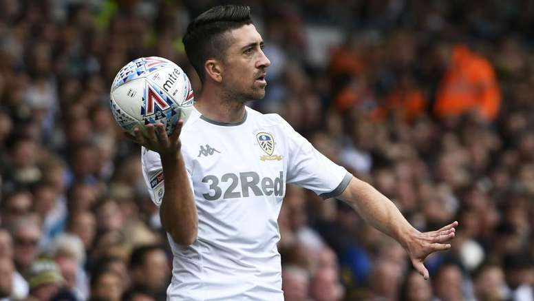 Pablo Hernandez has extended his Leeds United contract until 2022. GOAL