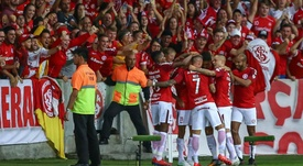 Copa Libertadores Review: Guerrero heroics books Internacional's Round of 16 place.