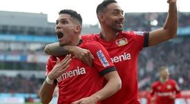 Com gols e assistência, Paulinho ganha destaque na Alemanha. GOAL
