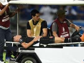 Paulinho terá de passar por cirurgia. Goal