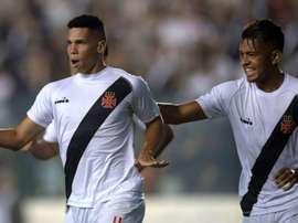 Paulinho celebra o gol apontado ao Univ. Concepción. GOAL