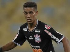 Benfica e Corinthians têm acerto envolvendo Pedrinho e Yony González. Goal