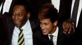 Pelé espera que Neymar consiga bater o seu recorde. Goal