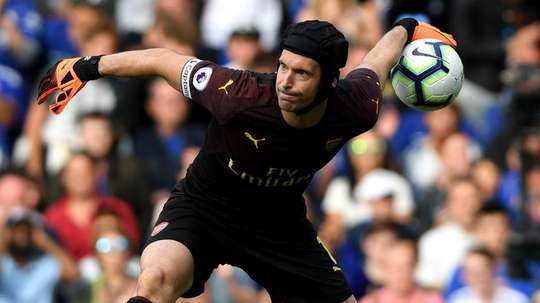 Emery defends Cech after nervy display at Cardiff