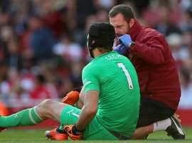 Cech, blessé et absent un mois. Goal