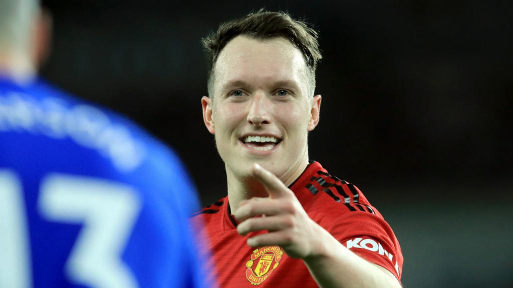 Manchester United officialise la prolongation de Phil Jones