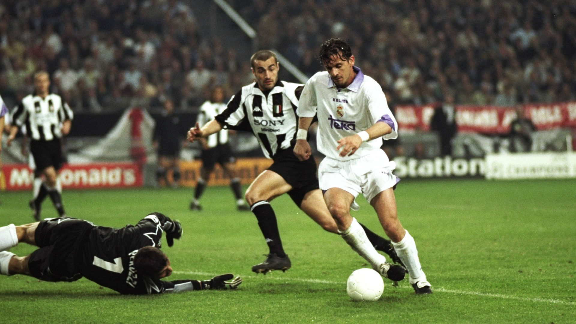 mijatovic magic zidane heartache real madrid and juventus 1998 champions league final besoccer juventus 1998 champions league final