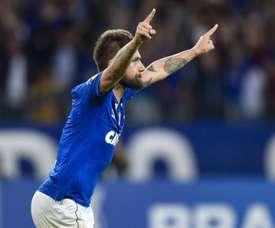 """Sóbis comemora gol e vitória do Cruzeiro: """"fizemos o nosso dever"""""""