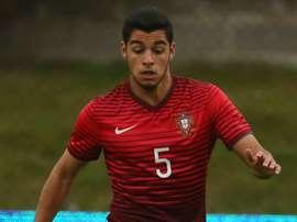 Soares honoured by Liverpool links. GOAL