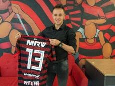 Rafinha é apresentado pelo Flamengo. Goal
