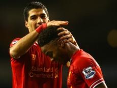 Suárez lembra de Sterling no Liverpool. Goal