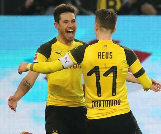 Guerreiro still in talks over extension with Dortmund. GOAL