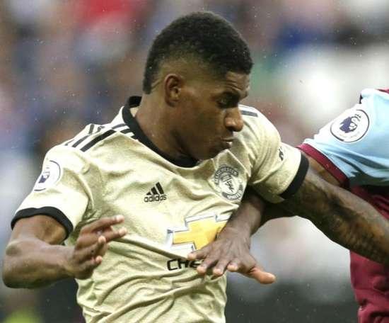 Rashford suffers injury at West Ham. GOAL