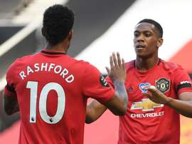 United peut marquer l'histoire de la Premier League contre Villa. GOAL