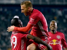 Red Bulls defeated their local rivals 4-0. GOAL