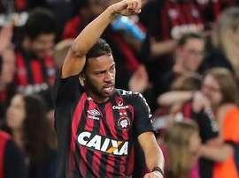 Renan Lodi chama atenção no futebol europeu. Goal