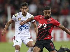 Athletico bate o Tolima, engata terceira vitória seguida e encaminha classificação na Libertadores