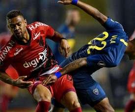 Tevez marca nos acréscimos e garante Boca como líder do Grupo G da Libertadores