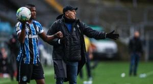 Renato escreve a manchete após Gre-Nal e repete frase de 2019: Grêmio vai decolar. AFP