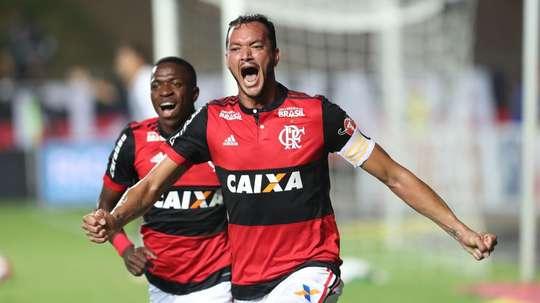 Rever celebra o gol apontado na Taça Guanabara. GOAL