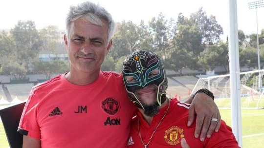 Mourinho with Rey Mysterio, a wrestling legend. Goal