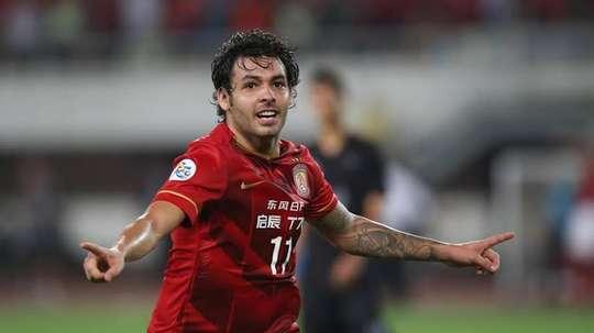 Goulart quer jogar no Palmeiras, diz irmão