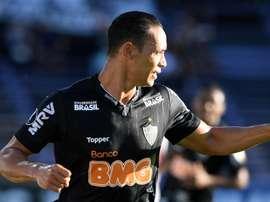 Ricardo Oliveira iguala Zico em gols na Libertadores