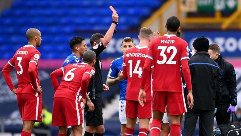 Une légende des Reds peste contre Richarlison et l'arbitrage. Goal