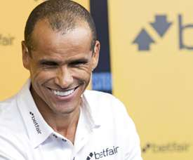 Ídolo do Barcelona, Rivaldo provoca o Real Madrid.