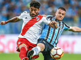 It was a heated clash between River Plate and Gremio. GOAL