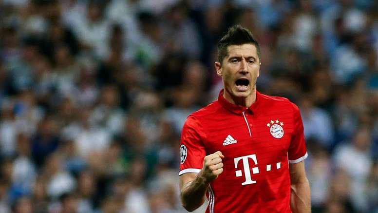 O atacante ficou a apenas um gol de 'Auba'. Goal