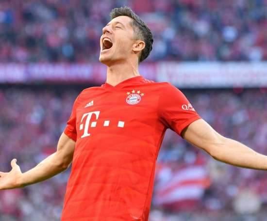 Bayern assume a liderança e Lewandowski brilha novamente