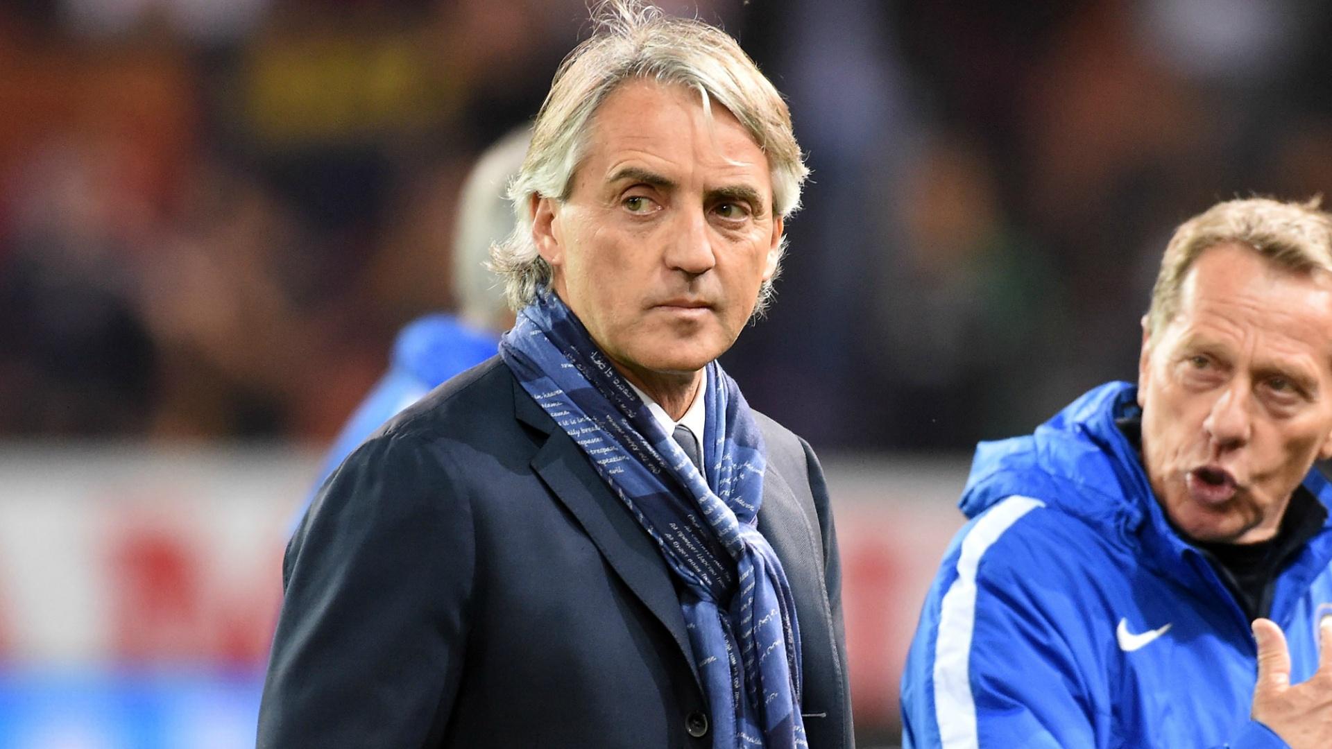 Un grand entraîneur italien propose ses services — Paris