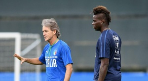 Italy boss Roberto Mancini knew Balotelli from their time together at Man City. GOAL