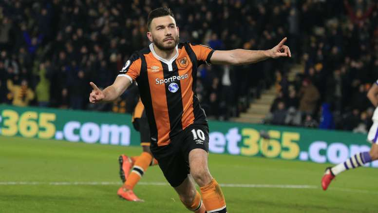 Robert Snodgrass is one of the stars who has signed a contract extension. Goal