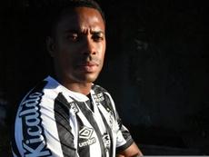 Robinho sequer estreou, mas já impõe dilema no Santos