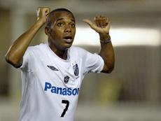Robinho terá de brigar por espaço no Santos. Goal
