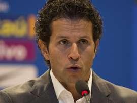Lasmar banca Neymar e fala sobre Renato Augusto. Goal