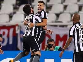 Pimpão celebra vitória, recorde e elogia o legado de Jair no Botafogo; Bruno Silva comenta confusão